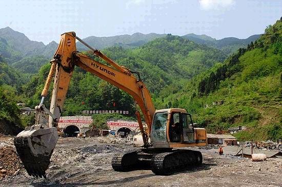 成蜀电力北京分公司中标中太集团西寨山隧道土石方工程