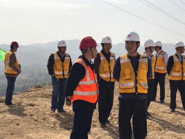 华润电力副总裁赵后昌一行莅临唐河风电主体工程检查指导工作