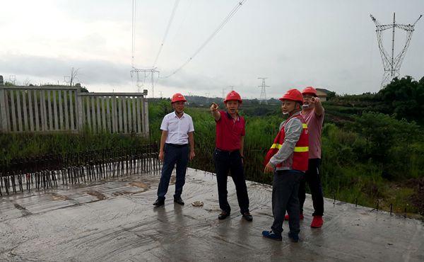 陈云总经理视察川南城际铁路500kV线路迁改工程